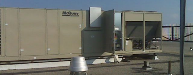 Air conditioning unit on rooftop